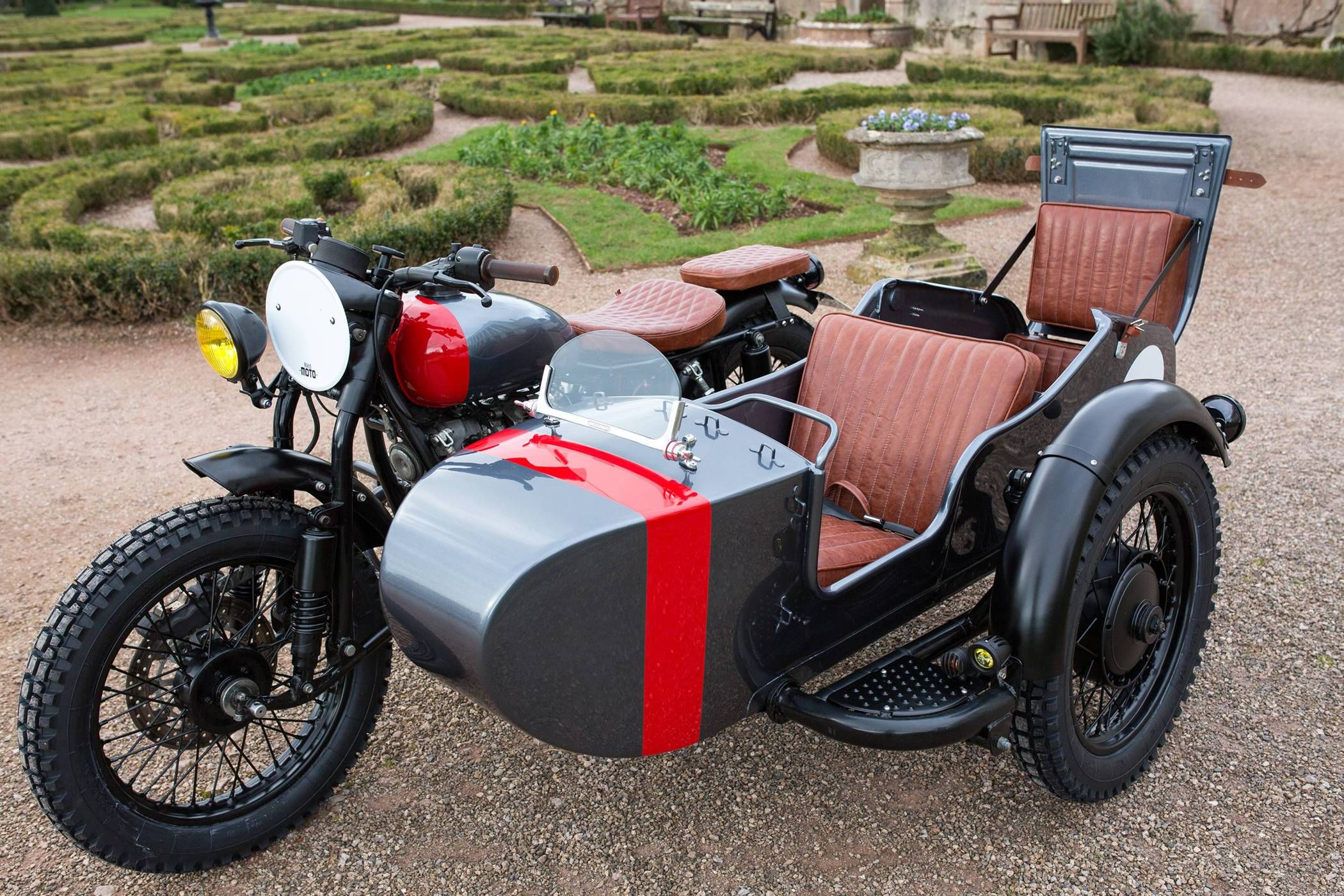 Custom Rumble Seat Ural Room For 4 Motociclismo