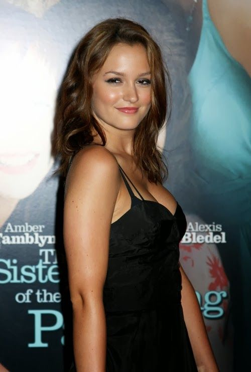 Pretty Celebrities Photos: Premiere of the Sisterhood of the Traveling Pants 2 Zeigfeld Theater