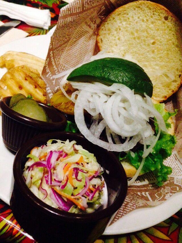 BBQ burger @Rainforest cafe