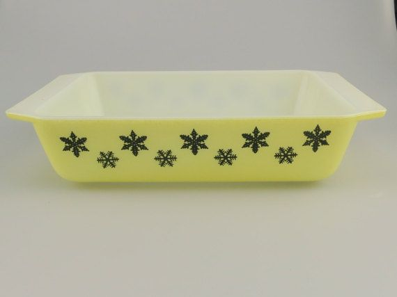 Pyrex JAJ Gaiety Snowflake Yellow black Space Saver by Maybefranc