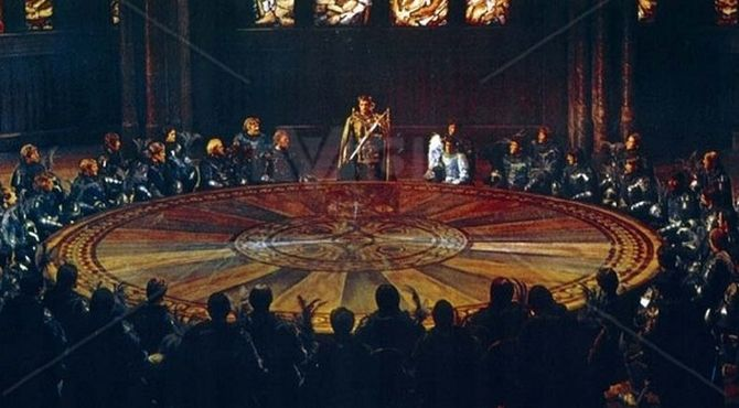 Chevaliers de la table ronde d tail chevaliers de la - Blason chevalier table ronde ...