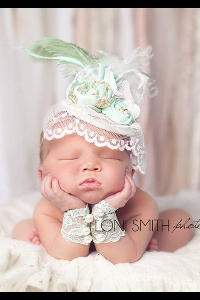 Perfecto Sencillo Modelo Que Hace Punto El Sombrero Recién Nacido ...