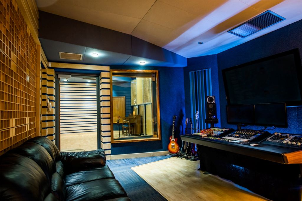 Fm Design Blue On Blue Studios Home Recording Studio Setup Recording Studio Home Recording Studio Design