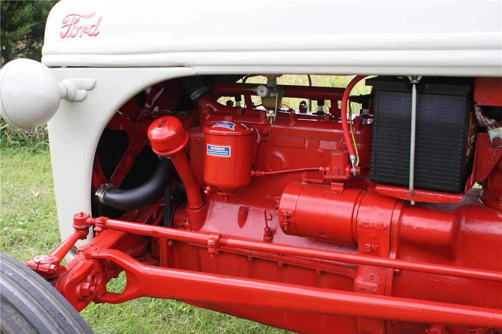 1948 FORD 8N TRACTOR - Engine - 93515 | Tractor - 8N