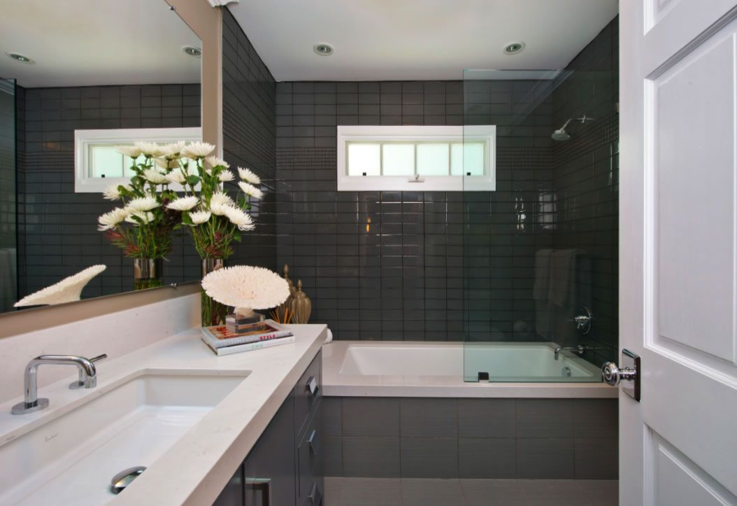 Jeff Lewis Style | Bathrooms | Jeff lewis design, Grey ...