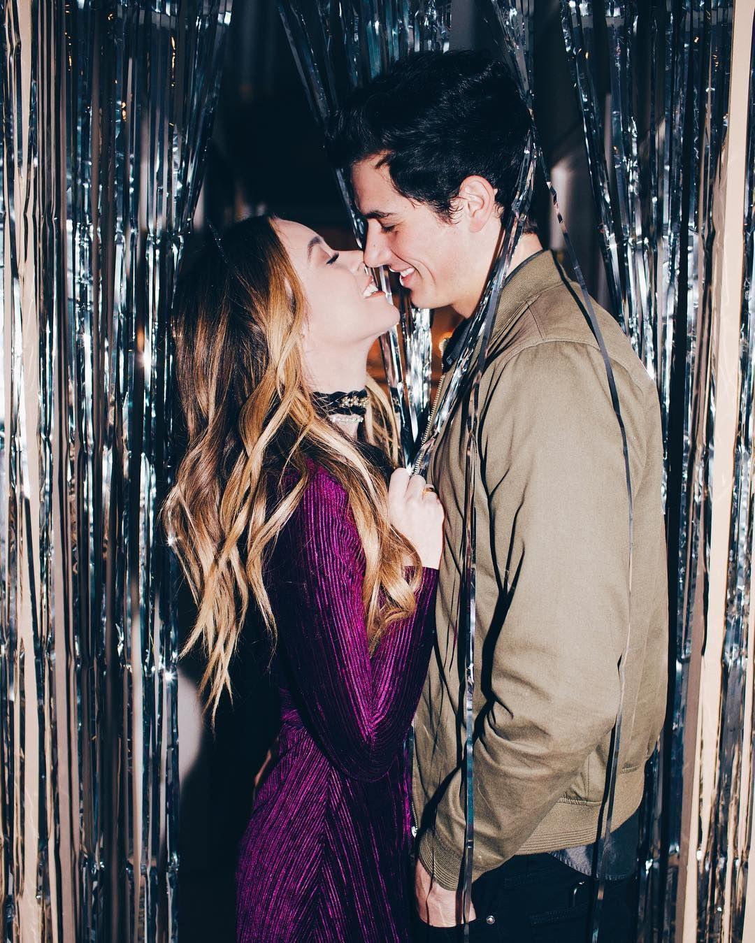 45 5k Likes 317 Comments Alex Terranova Alexfjterranova On Instagram First New Years Kiss In M New Year S Kiss New Years Eve Pictures New Year Pictures