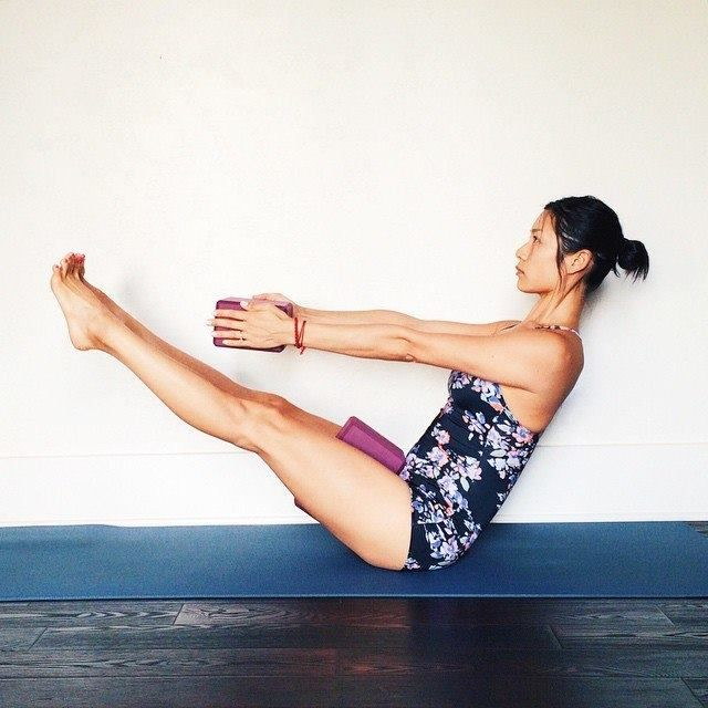 This Asana Pose Strengthens Your Abs