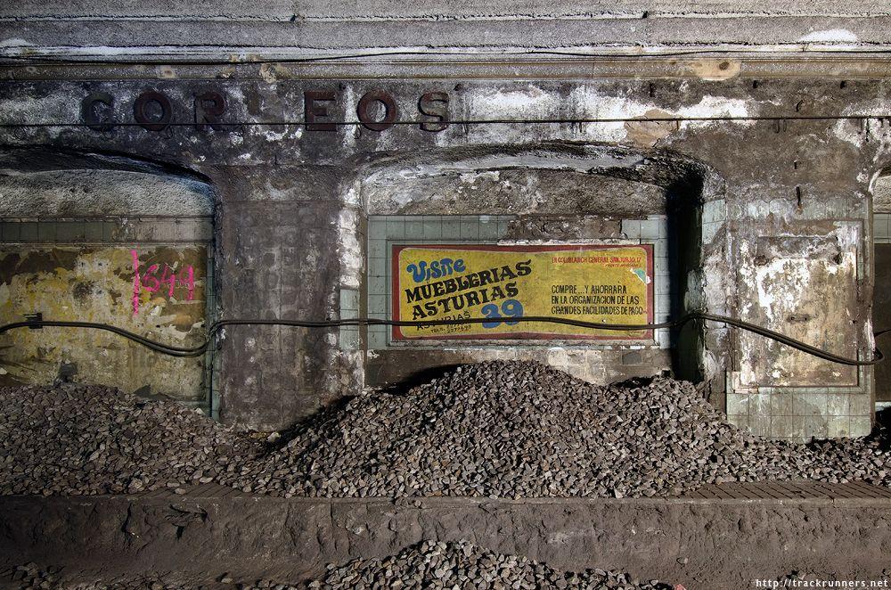 Antiga estaci de correos del metro de barcelona em for Oficina de correos barcelona