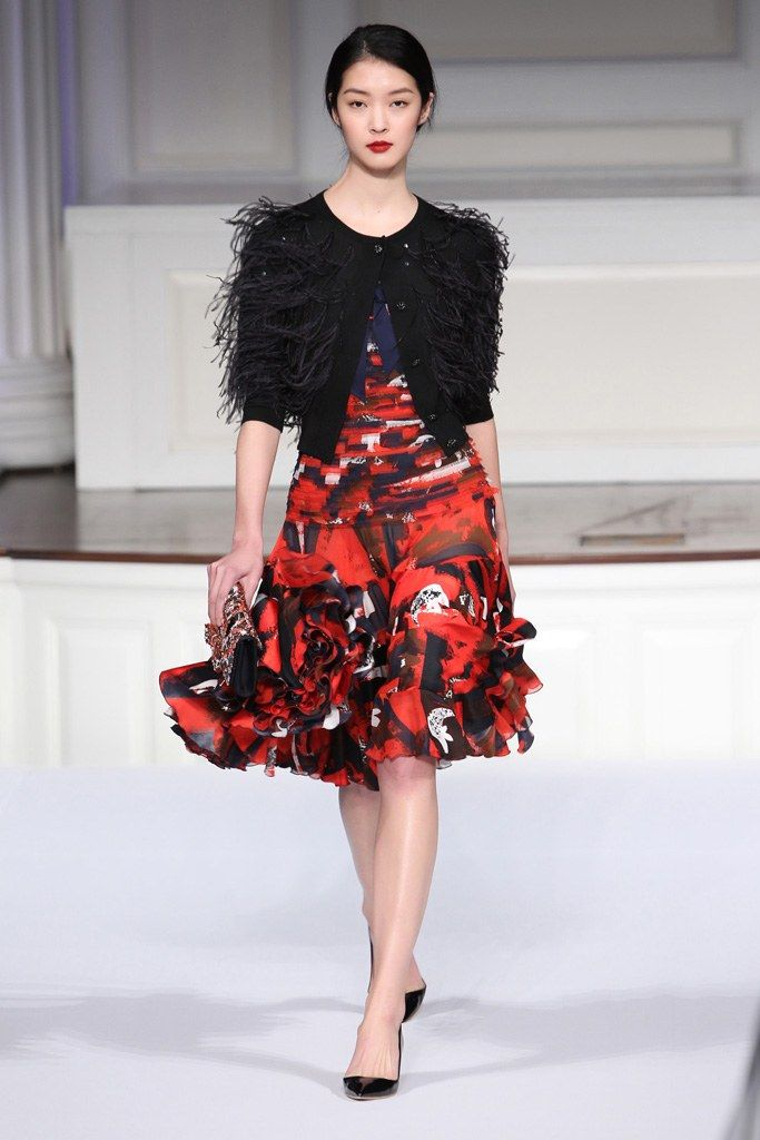 Oscar de la Renta Pre-Fall 2011 Fashion Show - So Young Kang