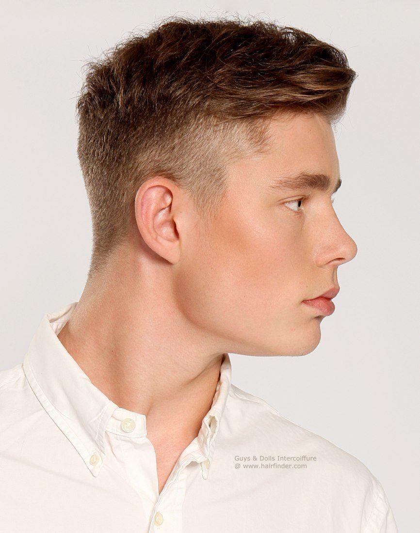 Hairstyles For Men To The Side Klarer Retro Haarschnitt Mit Kurz Geschorenen Seiten Und Lngerem