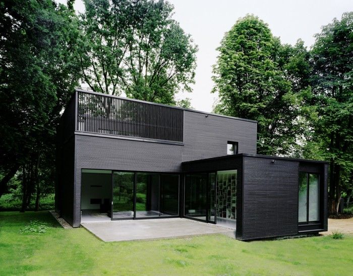 BLACK RIGHT NOW - Mark D. Sikes: Chic People, Glamorous Places, Stylish Things | Minimalist house design, Building a container home, Container house