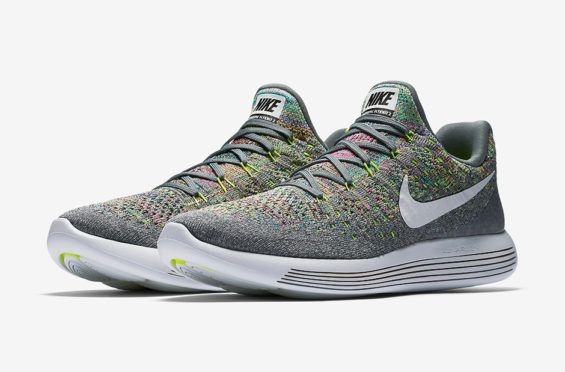 sale retailer 48000 3d1f7 The Nike LunarEpic Low Flyknit 2 Multicolor Has Arrived