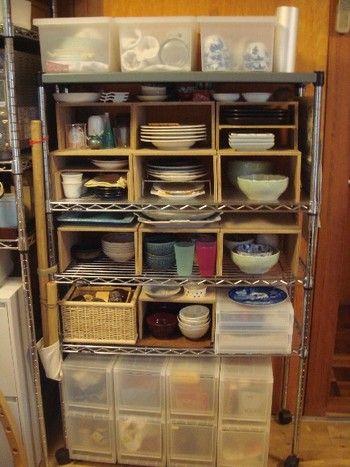 使ってる人も多いはず 無印のプラスチックケースを使った収納術を見てみよう スチールラック キッチン 無印キッチン収納 収納