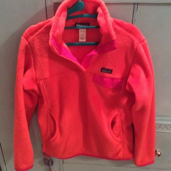 Patagonia retool HTF NEON Coral ❣❣❣ HTF Patagonia retool size small in a coral color that is so gorgeous and lively! I don't even remember wearing this one any wear so I'm thinking I just took the sweater out of the bag after it came in the mail from Patagonia and put it in the closet. It's in need of sunlight! ☀️ Patagonia Sweaters