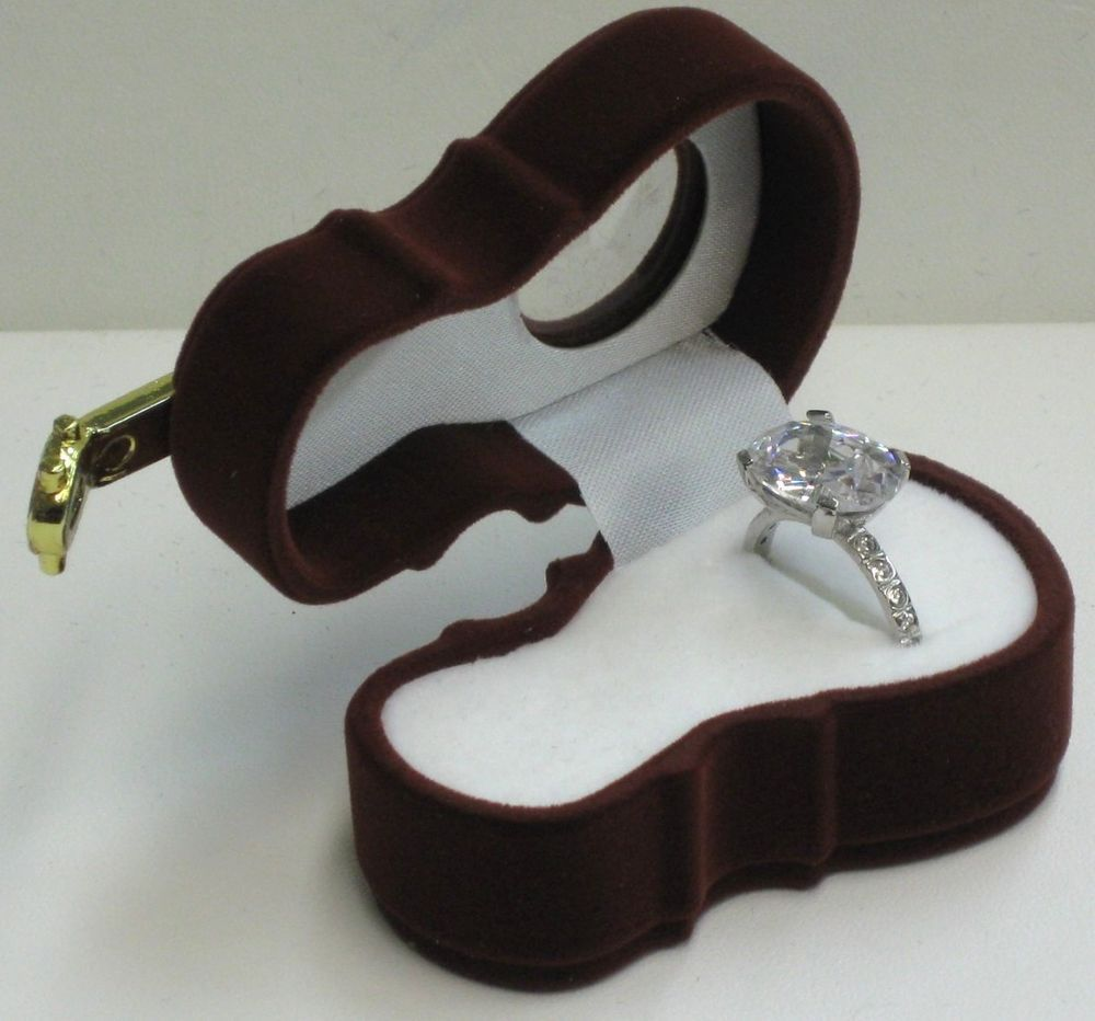 NEW BROWN VELVET GUITAR RING/EARRING JEWELRY BOX