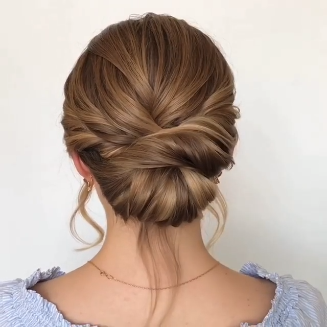 5 Stunning Bun Hairstyle Ideas & Tutorials!