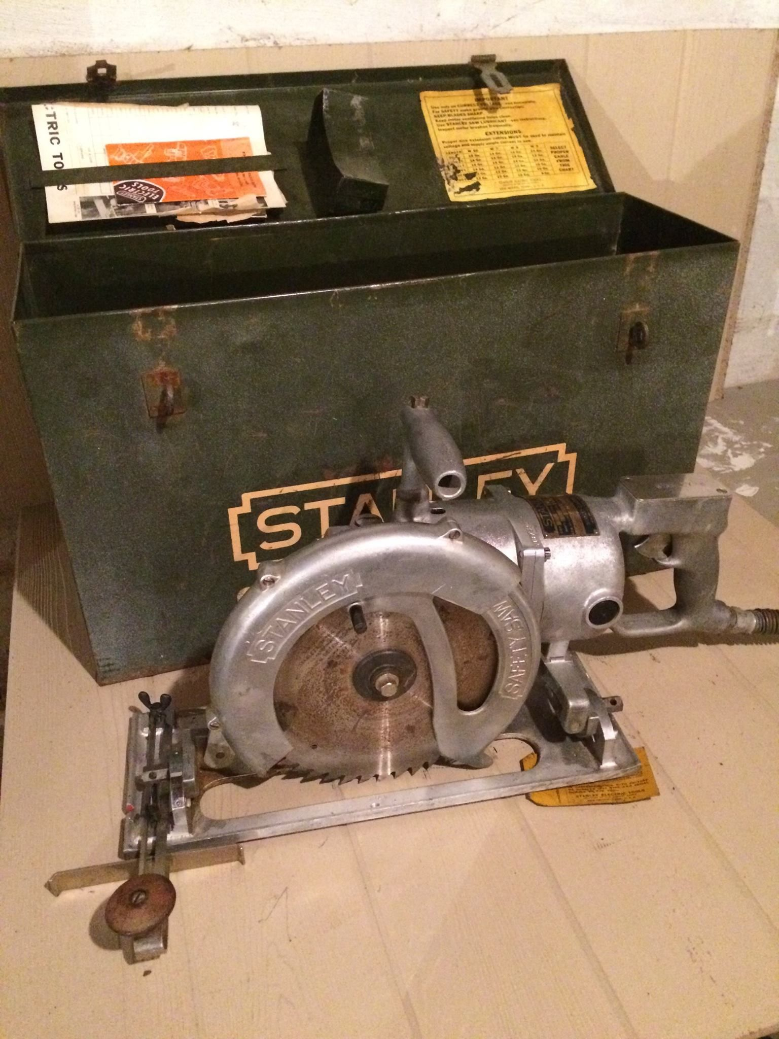 1940s W9 Stanley Safety saw | Vintage antique electric circular saws