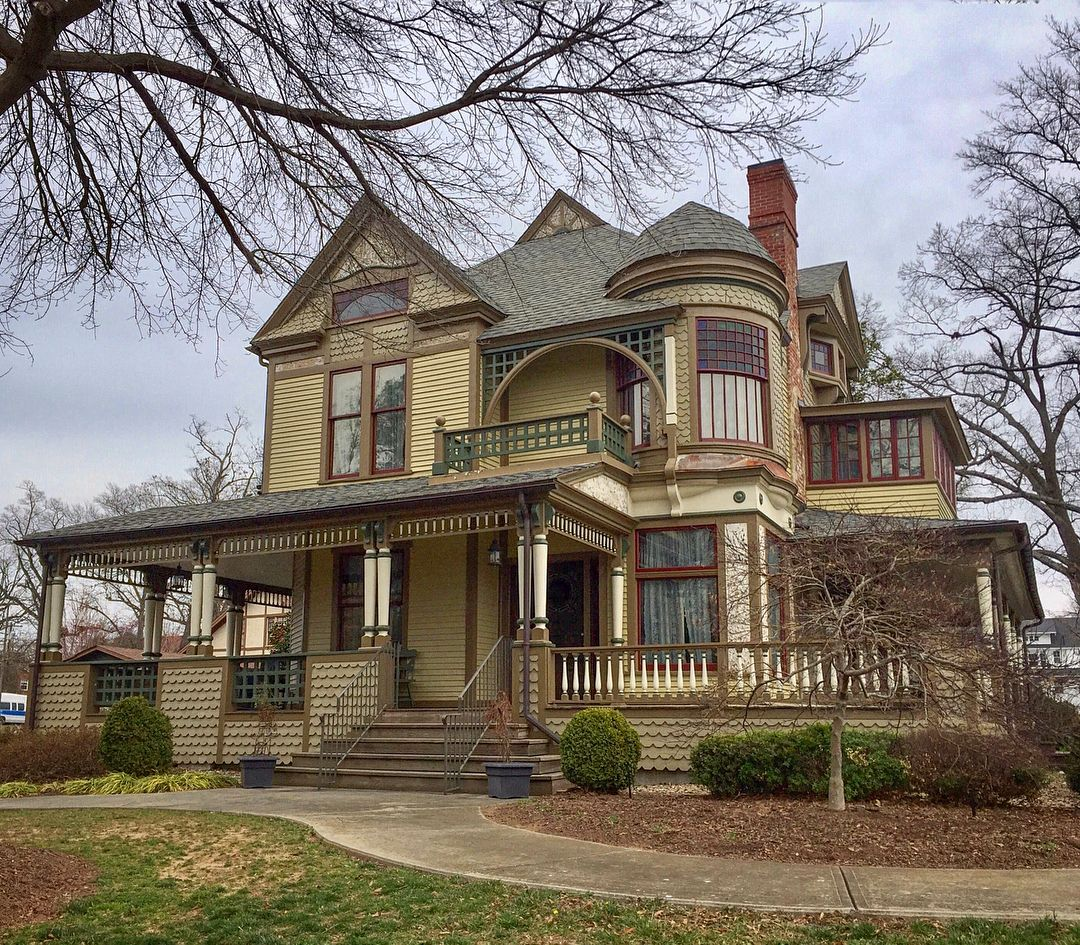 838 Likes 19 Comments Ed Godzilla1950 On Instagram At 310 N Center St Called The Ha Victorian Homes Exterior House Designs Exterior House Exterior