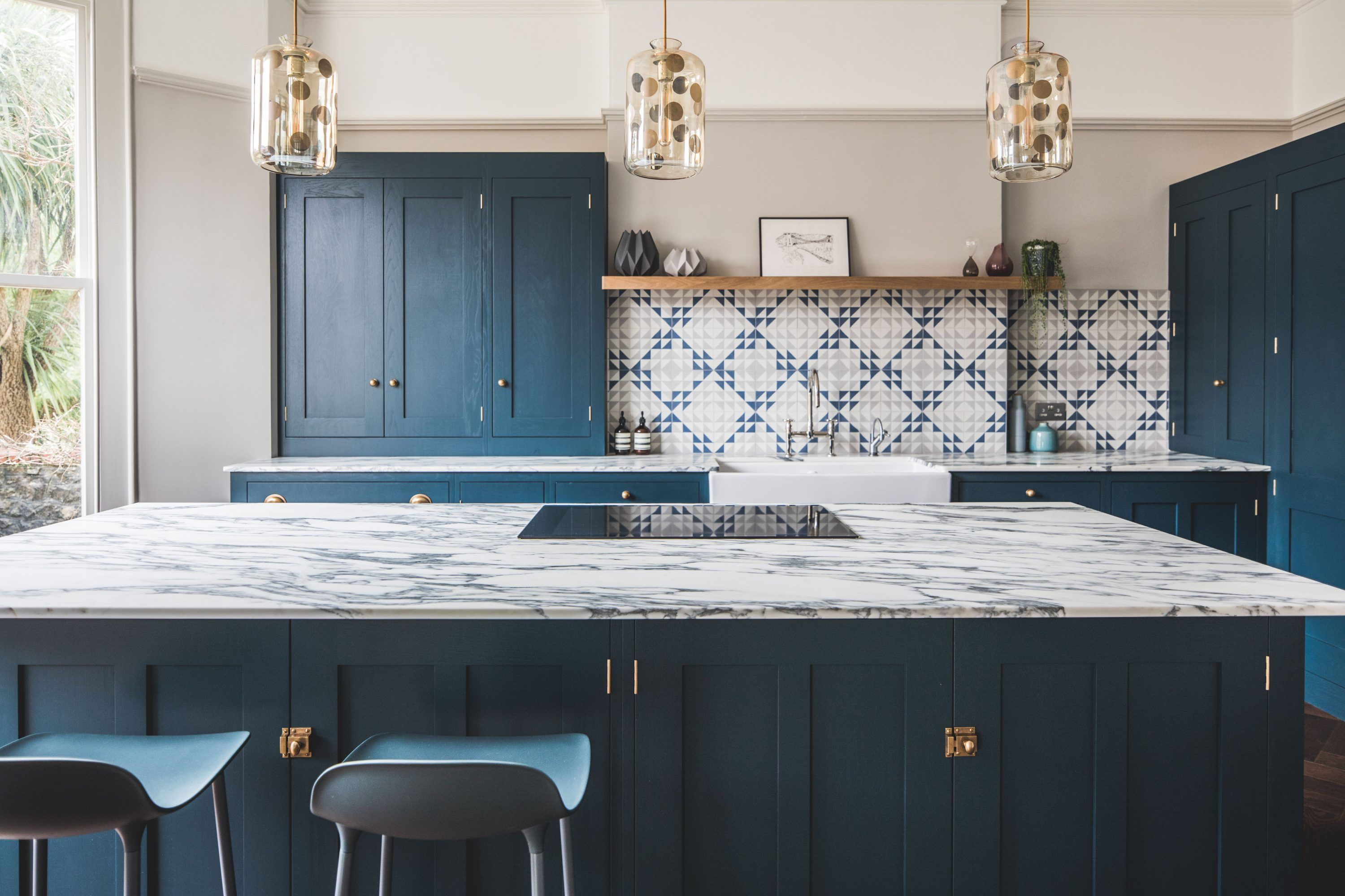 Dark Blue Geometric Kitchen In 2019 Kitchen Blue Shaker Kitchen