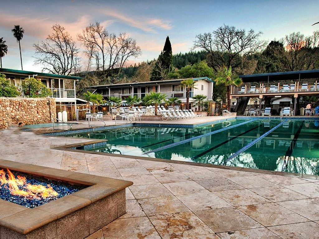 Calistoga Spa Hot Springs Hot Springs Around The World Travelchannel Com Hot Springs Calistoga Spa Hotels In Napa