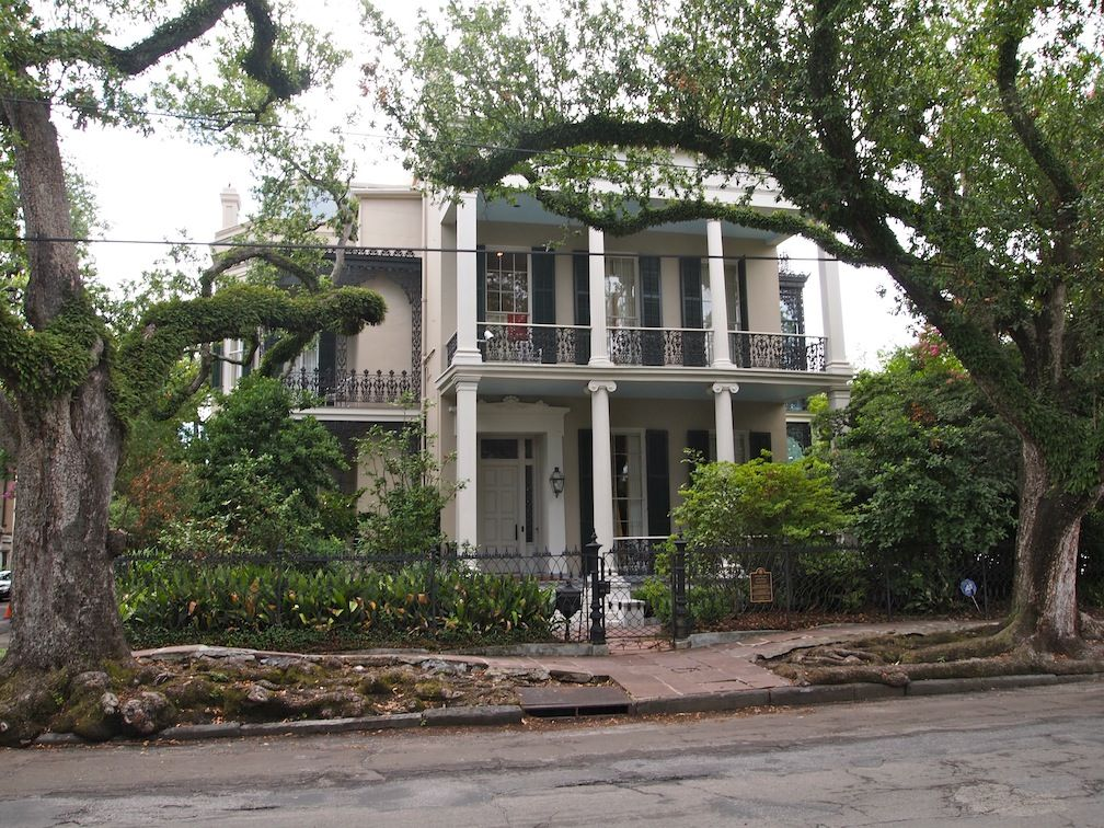 New Orleans Garden District New Orleans Garden District New