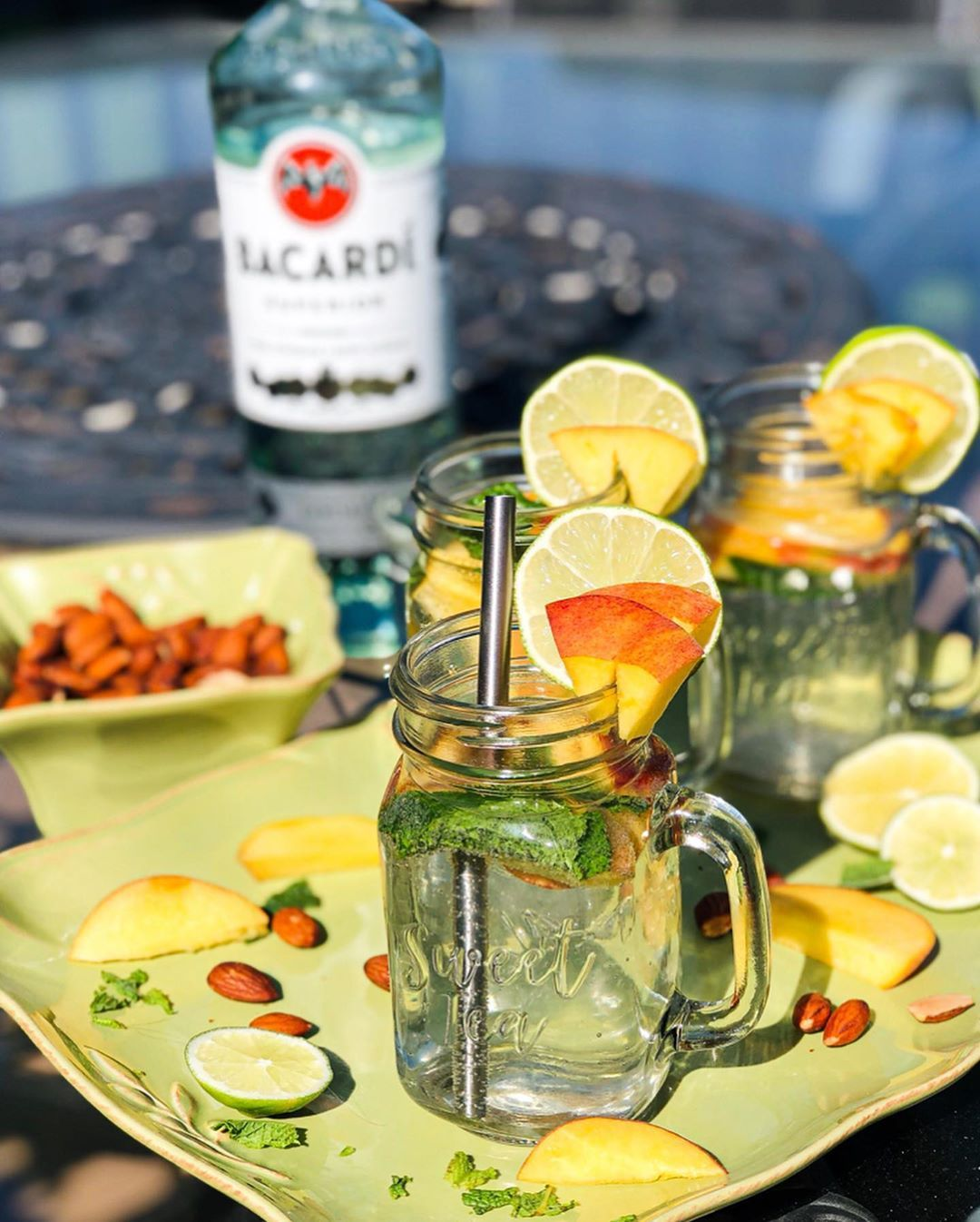 The Best Low Calorie Summer Cocktail! This Peach Mojito