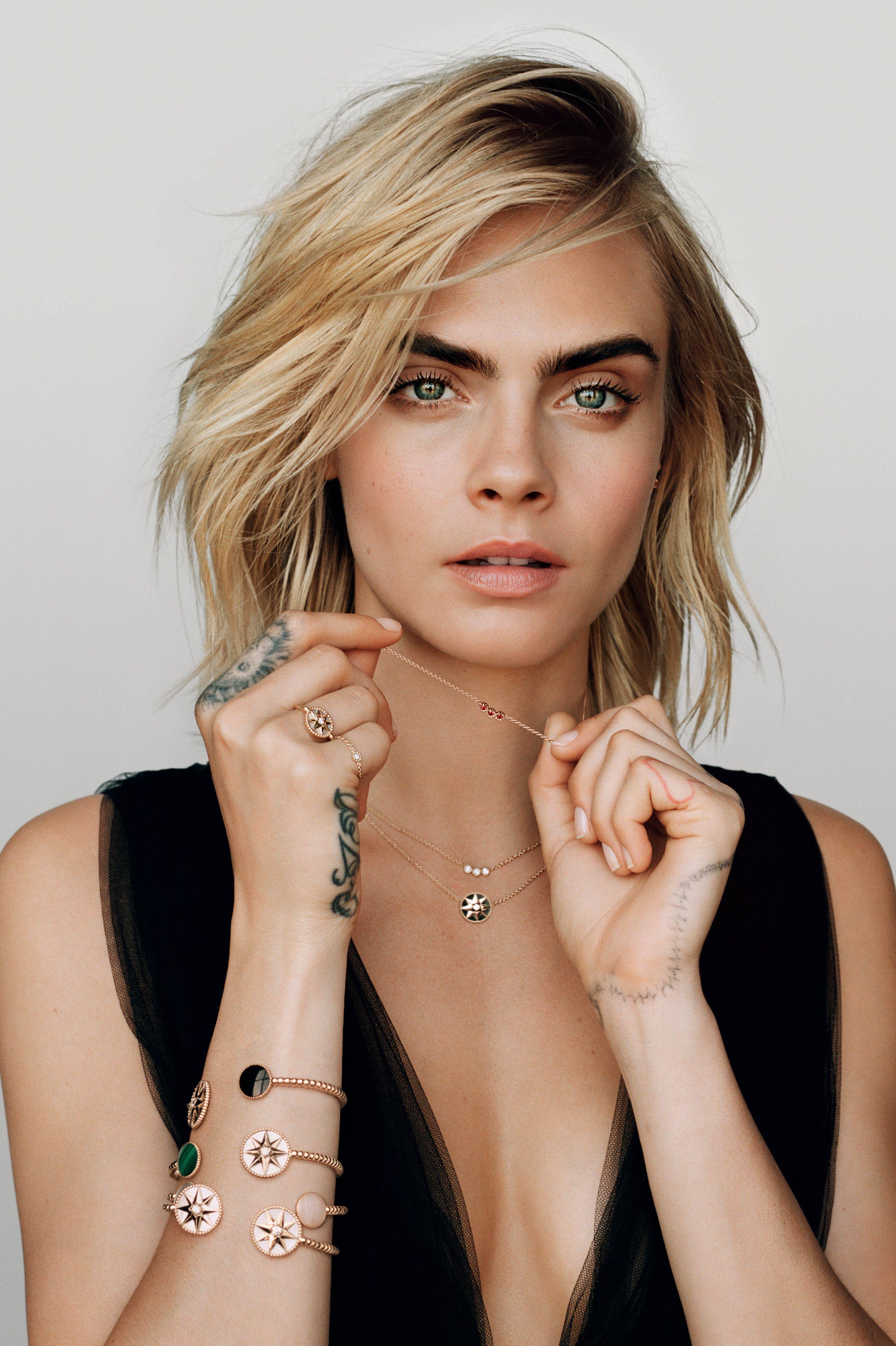 Cara Delevingne Dior Joaillerie In 2020 Cara Delevingne Photoshoot Cara Delevingne Style Cara Delevingne Hair