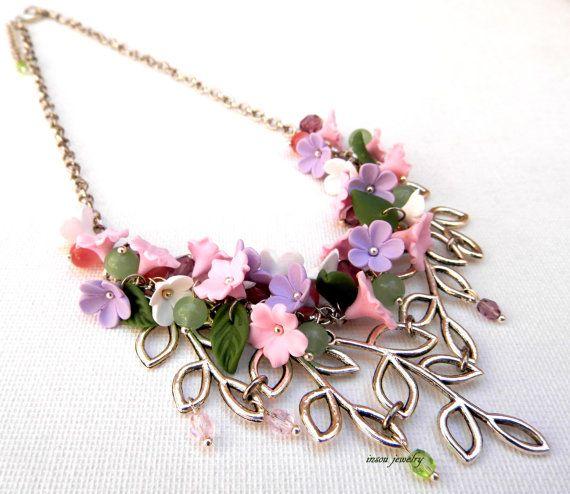 #Pastel #necklace  Minimal jewelry  Flower necklace  by insoujewelry