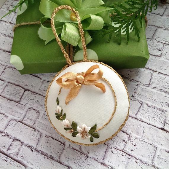 White gold Xmas tree decoration Ribbon embroidery Christmas ball