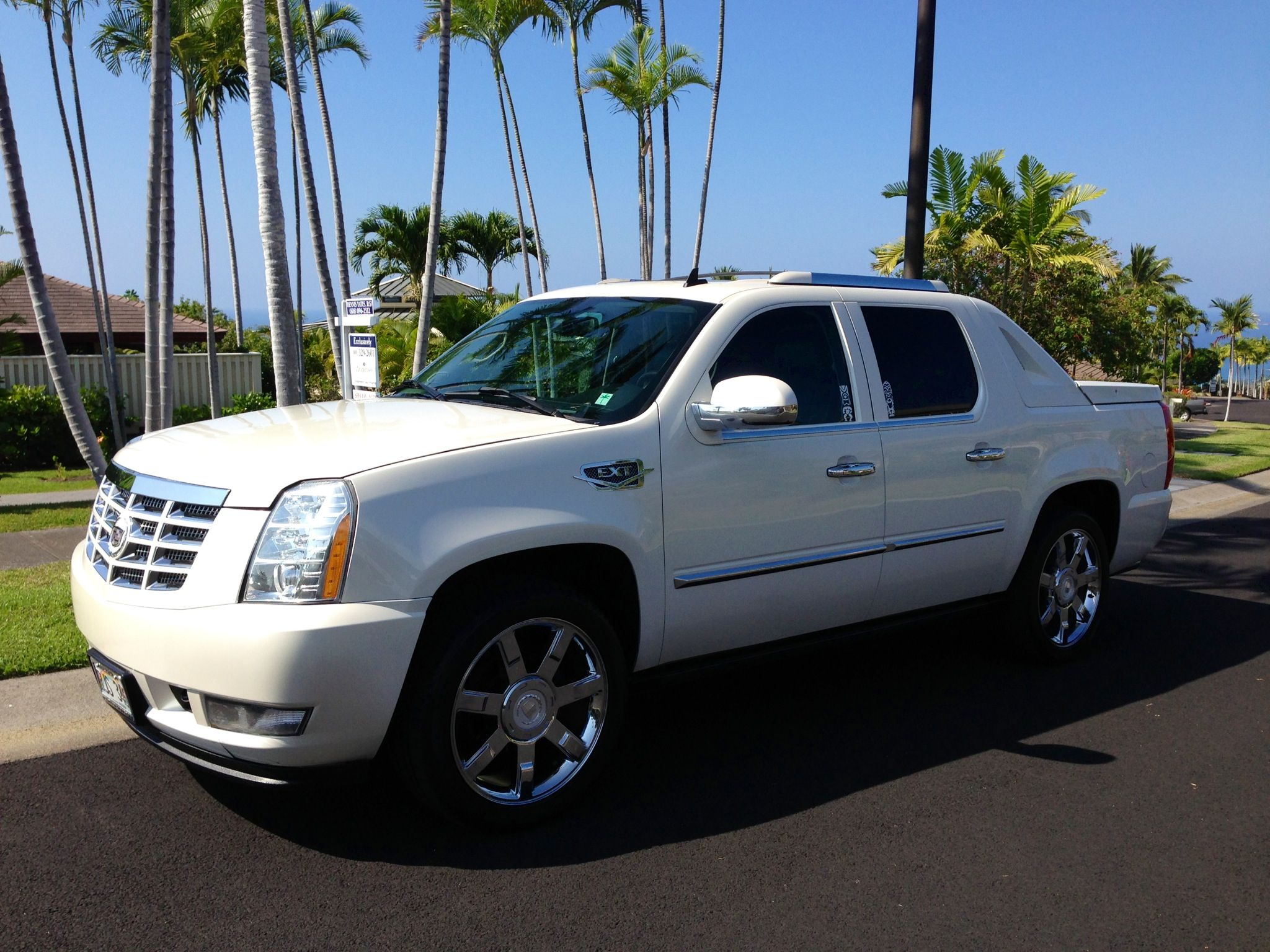 2008 cadillac escalade ext cars pushing the limits pinterest escalade ext cadillac. Black Bedroom Furniture Sets. Home Design Ideas