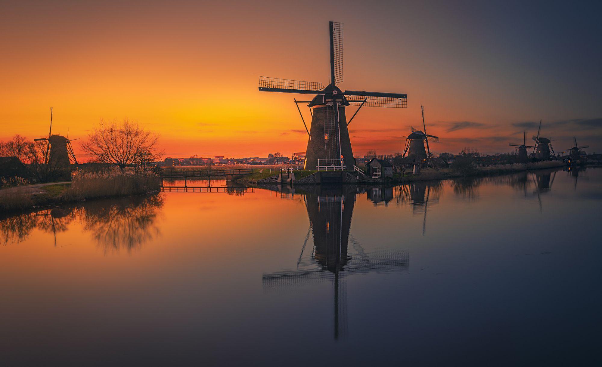 Kinderdijk Holland.  City and architecture photo by remoscarfo http://rarme.com/?F9gZi