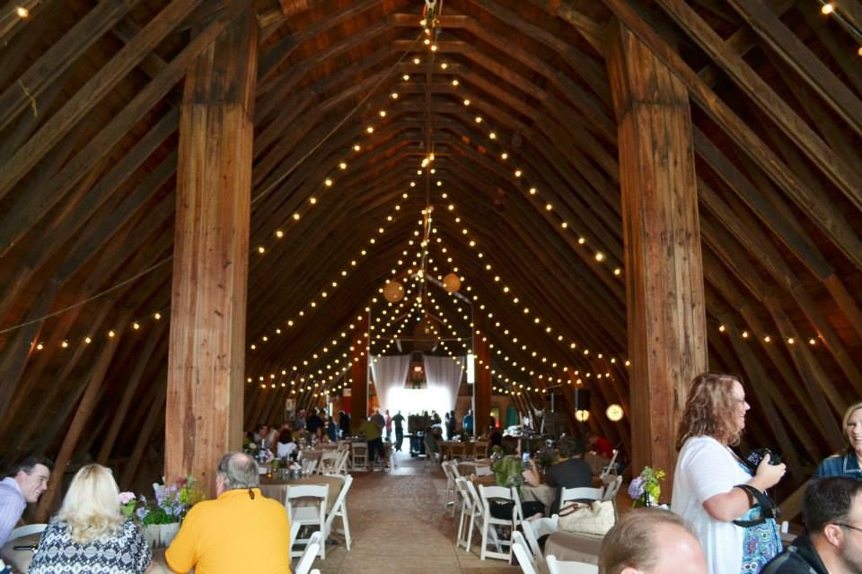 Reception Wedding Venue At The Iowa North River Party Barn