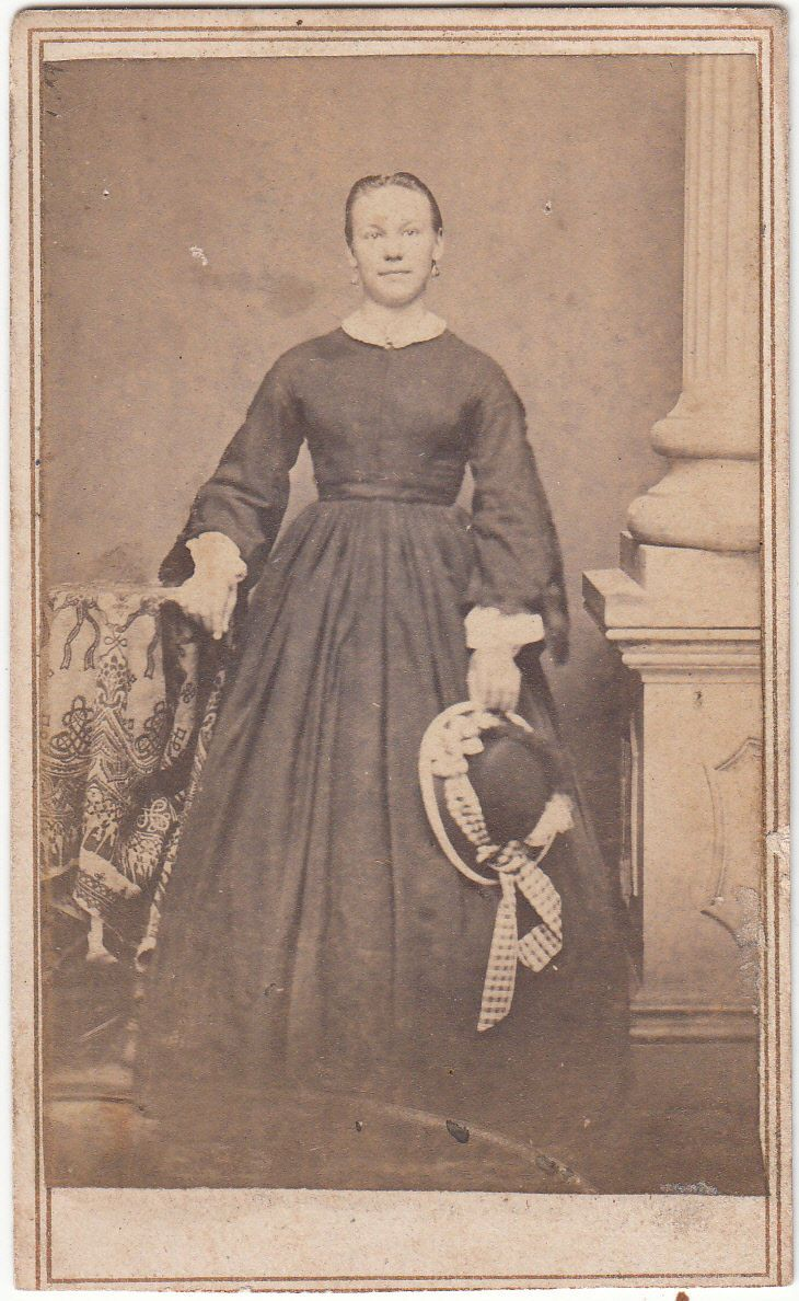 CDV Civil War Lady in Day Dress Straw Hat by Shueler Davenport IA Tax Stamp | eBay