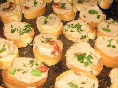 Baguette Calde con Salsa di Fagioli Cannellini ed Erba Cipollina