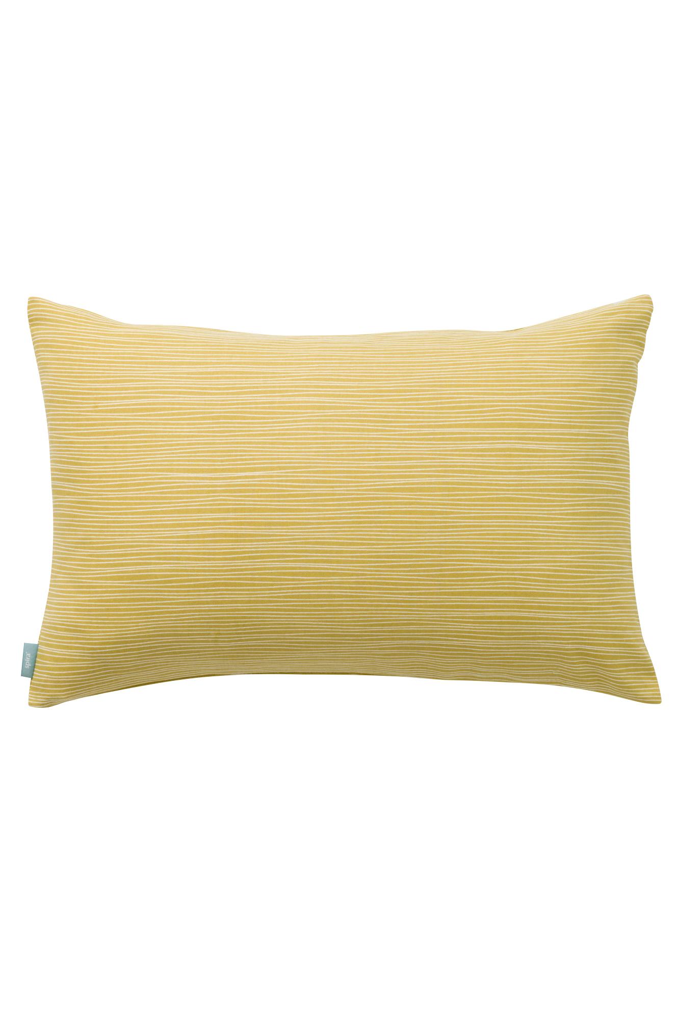 Line-tyynynpäällinen, jossa kaunis elävä pinta. Koko 60x40 cm.