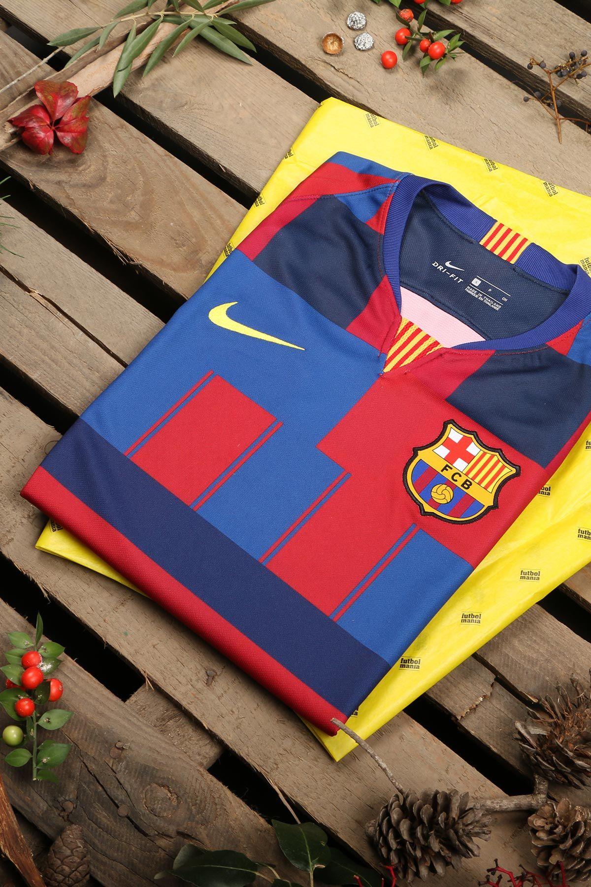 186da0a756b58 Camiseta Nike x Barcelona 20 aniversario. Celebra una de las colaboraciones  más potentes de la historia. Disponible para hombre