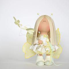 Иногда достаточно одного взгляда.... ;) Элли и стрекозы. Не продаётся..... #valentexomsk_official #milahandycrafts #sewing #handmadedoll #interiordoll #textiledoll #butterfly #крыльябабочки #бабочка #кукла #интерьернаякукла #текстильнаякукла #куклабабочка #сирень #лаванда #хлопок #ткани #шьюкукол #куклавподарок #подарокручнойработы #дляинтерьера #длядочки #весна2018 #весенняяколлекция #хочулето #сирень #лаванда #фиалка #стрекоза