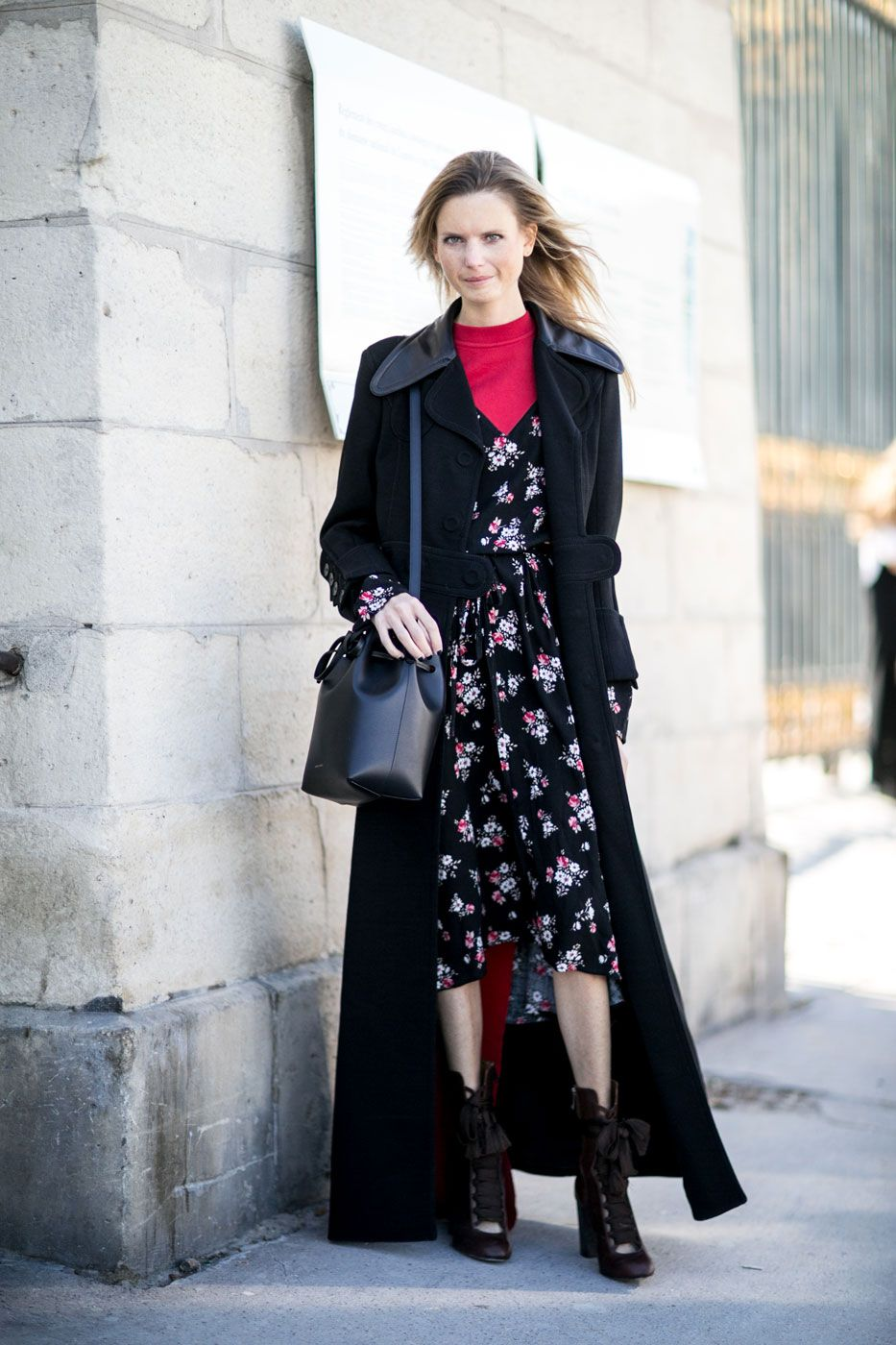 The Genius Way To Wear Your Summer Dresses All Through Fall Paris Fashion Week Street Style Fashion Week Street Style Street Style