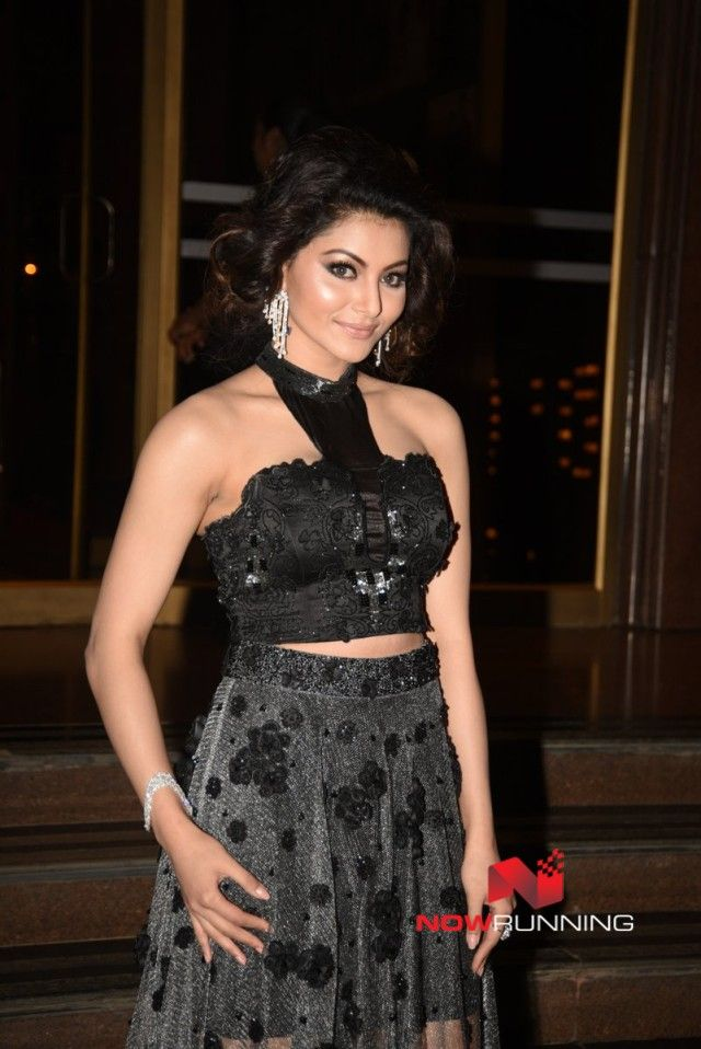 Urvashi Rautela at Hello! Hall of Fame Awards 2