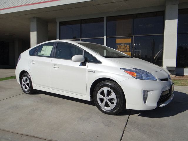 2015 Toyota Prius Two Hatchback Front Wheel Drive In Blizzard
