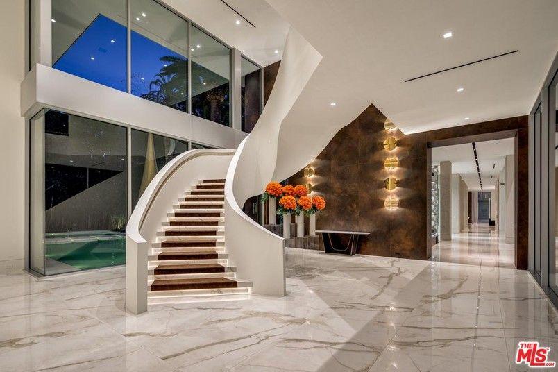 627 Carcassonne Los Angeles California Estados Unidos Casa De Lujo En Venta Real Estates Design Luxury Real Estate Modern Mansion