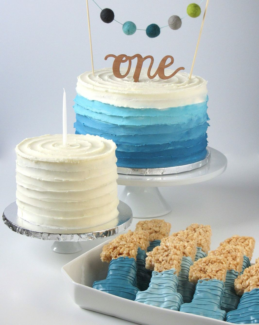 First birthday ombré cake with felt balls, banana smash