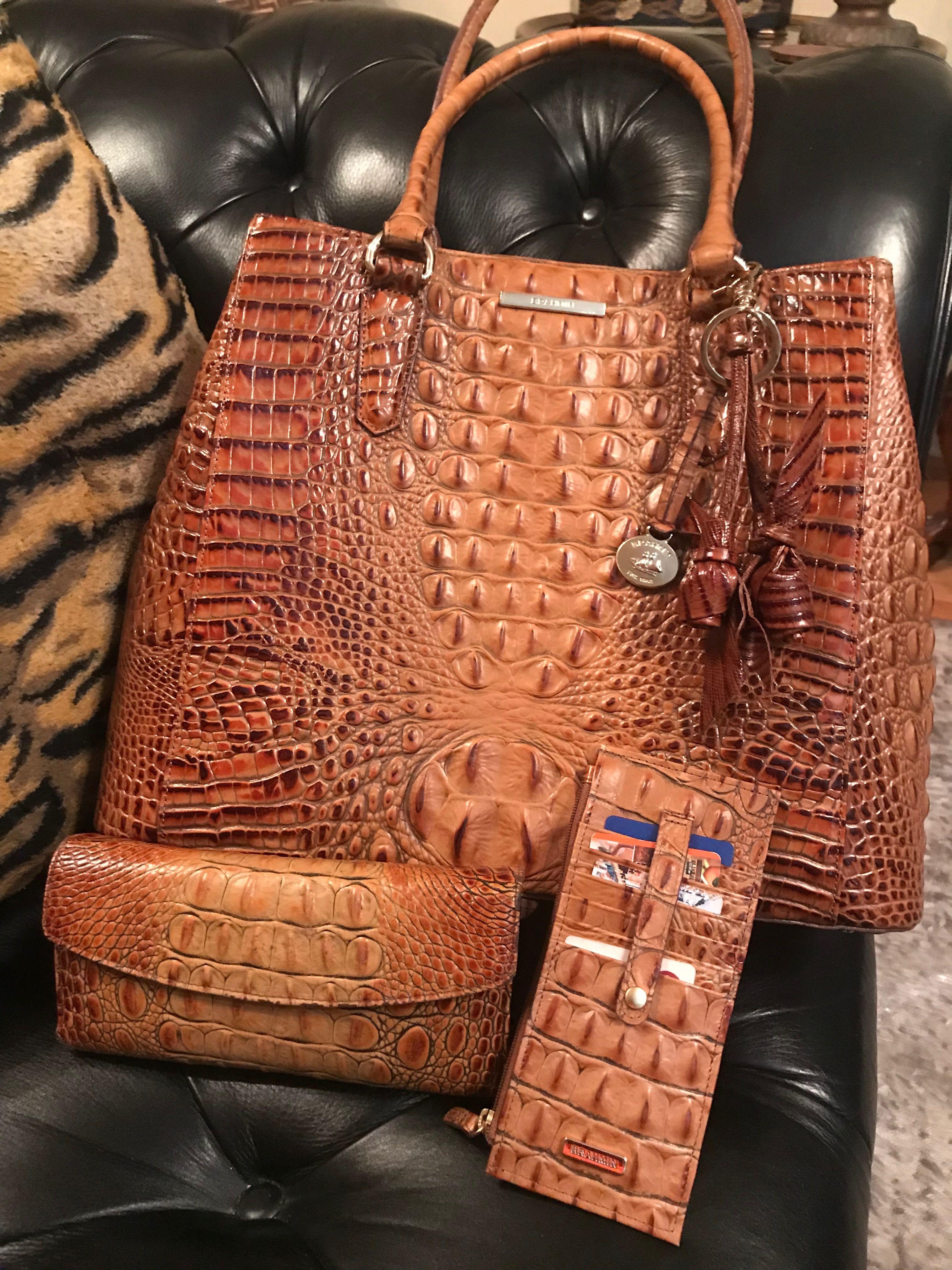 Patent Leather Clutch Beige Almond (con imágenes) | Bolsos