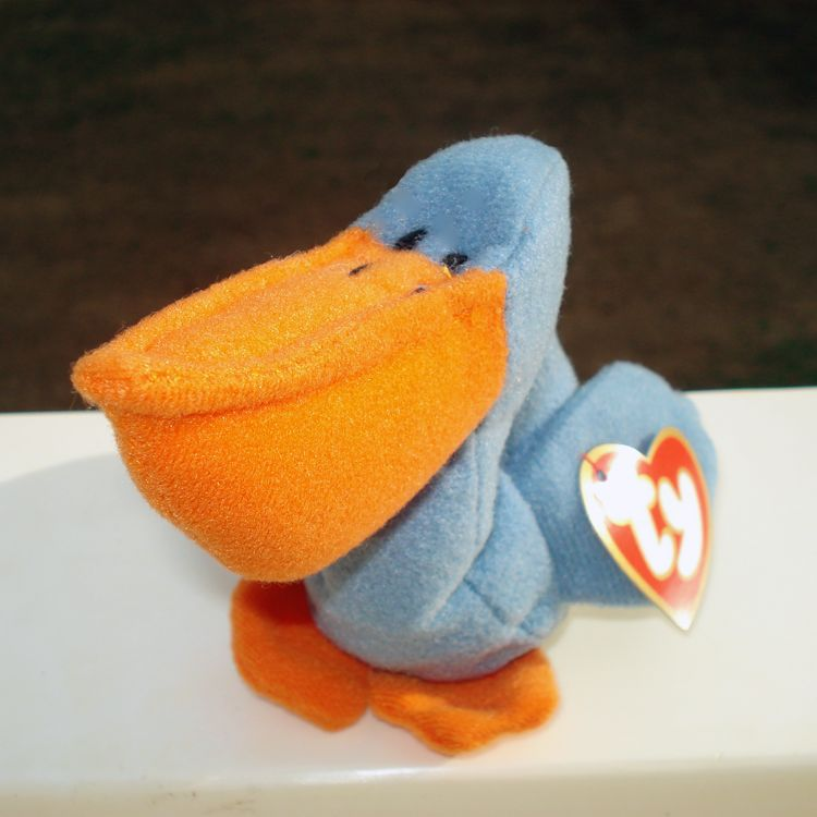 scoop pelican   TY BEANIE BABY  RETIRED NEW 8 INCHES