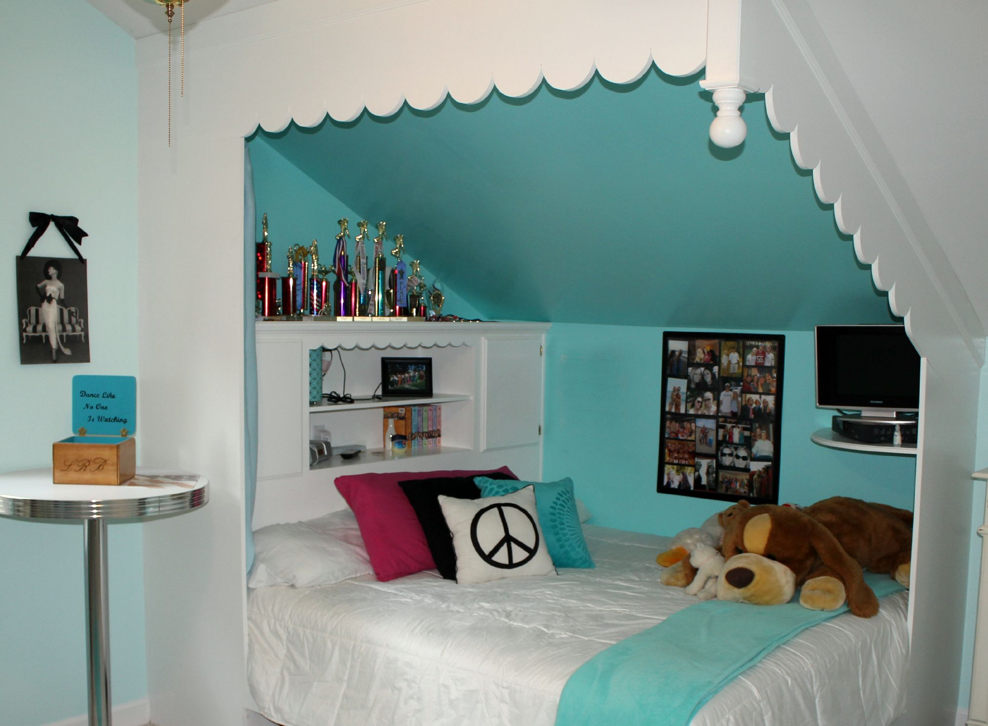 17 best ideas about slanted wall bedroom on pinterest | slanted