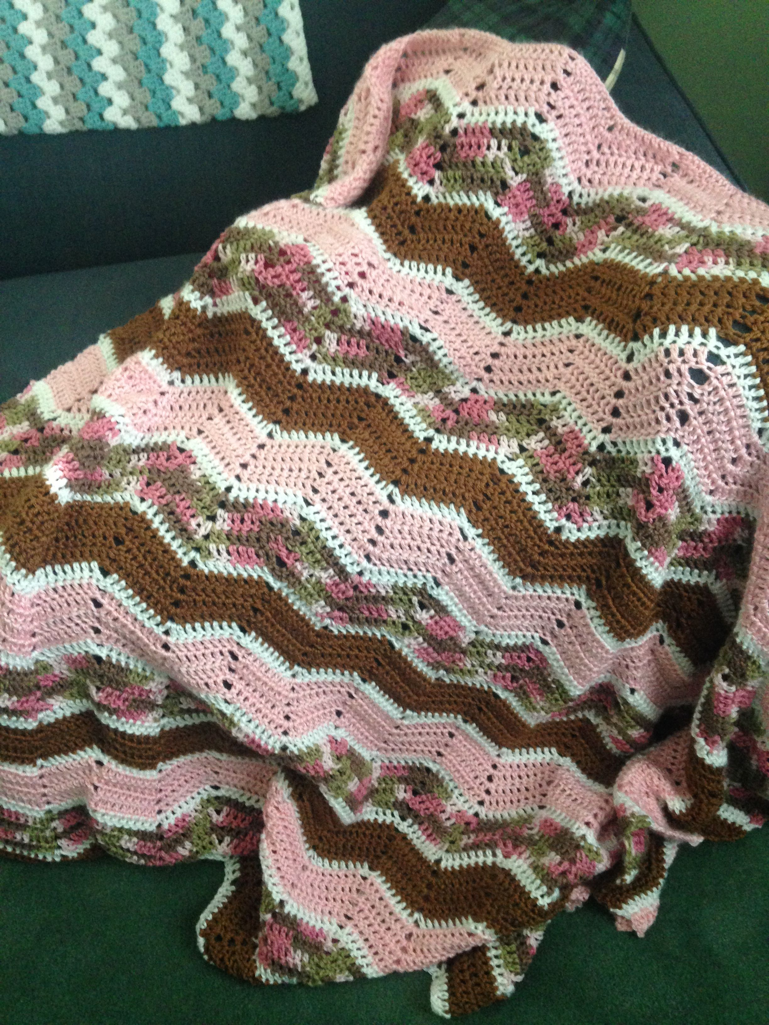 Pink camo crochet blanket | crochet | Pinterest | Manta afgana ...