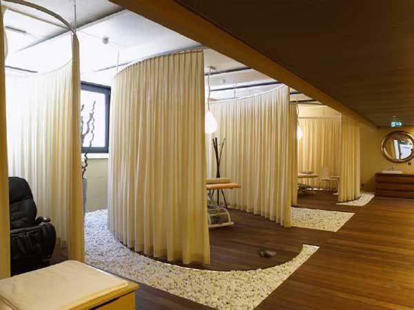 Salle de massage alcove th trale avec rideau couleur pur s parer une pi ce pinterest - Deco lounge epure ...