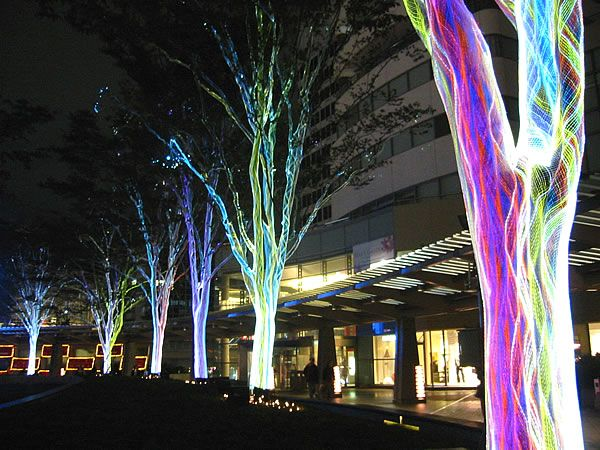 Trees with fiber optic netting rappongi hills tokyo lighting trees with fiber optic netting rappongi hills tokyo light artlighting sciox Images