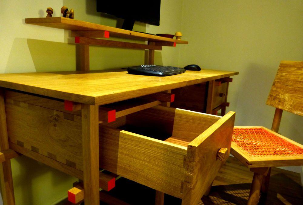 Desk De Stijl