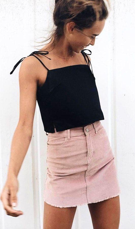 2019 Moda Renkleri Pembe Uzun Kollu Kazak Siyah Dar Pantolon